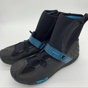 NWOT!  TEVA wetsuit booties, men's 9, 42.